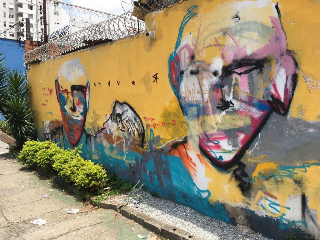 revolue_walls_l01